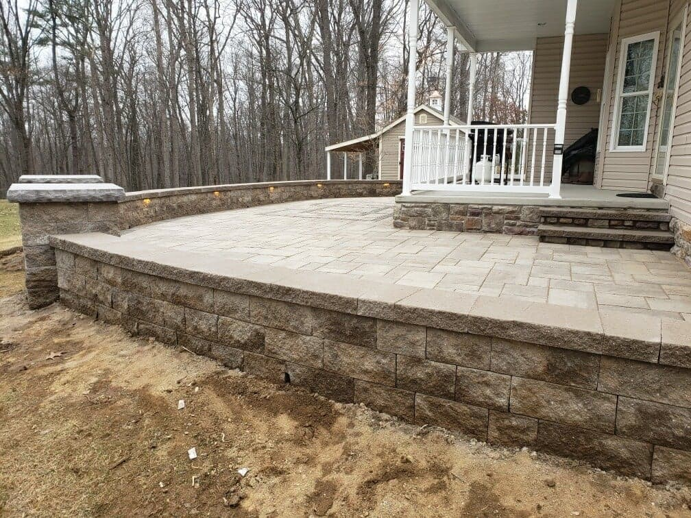 finished raised patio with verious stone sizes